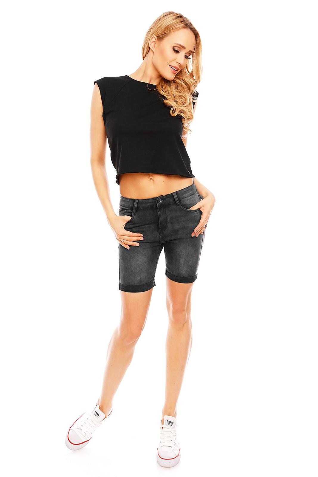 eb42c97d6807 Biena Atraktívne krátke čierne nohavice   Biena dámske oblečenie